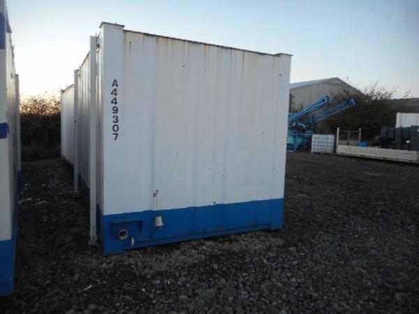 Secondhand toilet block