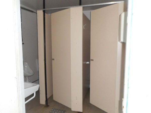 Used toilet block