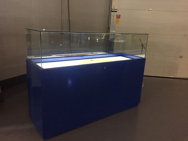 Glass display cases for sale