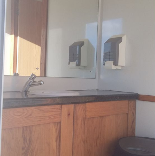 1 + 1 toilet trailer for sale