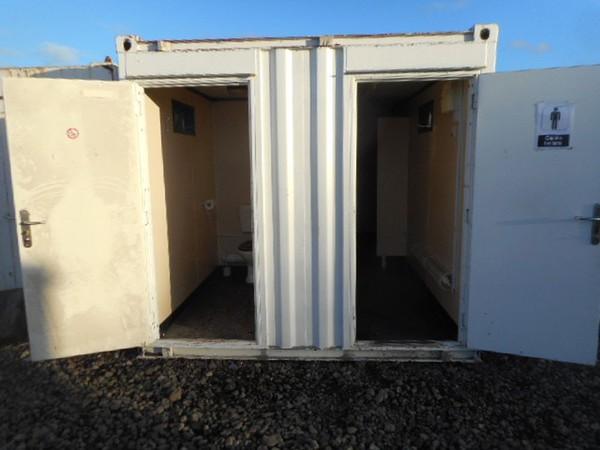 Anti vandal toilet trailer