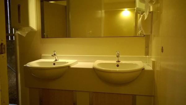 4+2 Re-circ toilet unit