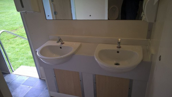 Re-circ toilet trailer
