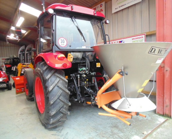 Zetor Major 80CL 4WD Farming vehicle, fitted with DW Tomlin Snow Plough & Salt Spreader