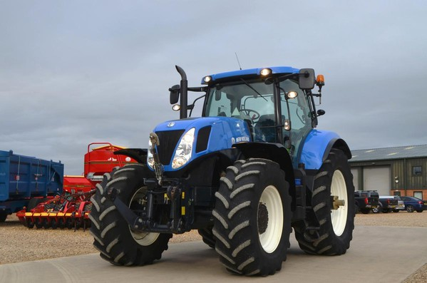Blue New Holland T7260  Tractor
