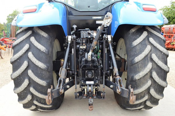 Farming New Holland T7260  Tractor