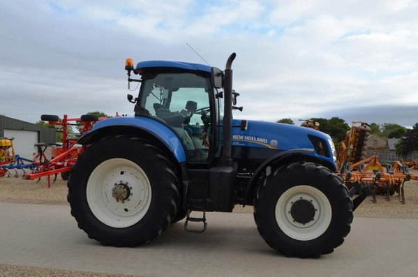 New Holland T7260  Tractor For Sale