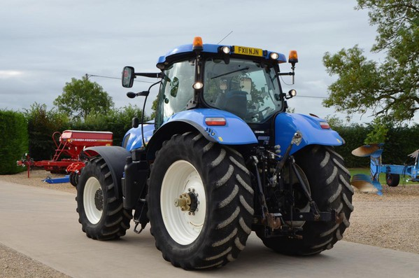 Second Hand New Holland T7260  Tractor