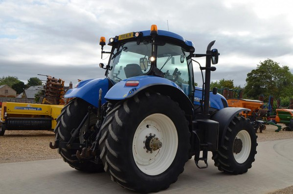 Selling New Holland T7260  Tractor