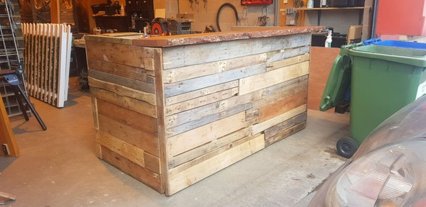 Secondhand pallet bar for sale