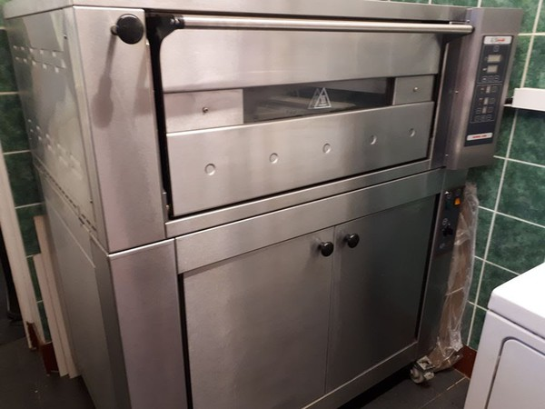 Secondhand pizza oven for sale