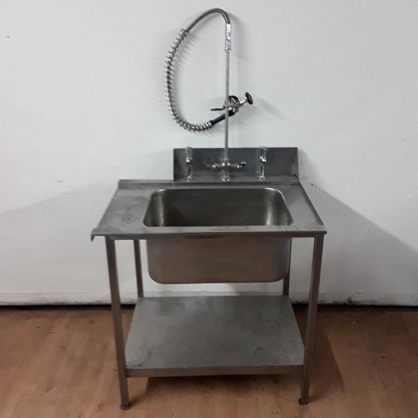 Single dish washer sink