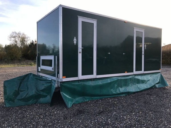 Used 3 + 1 toilet trailer