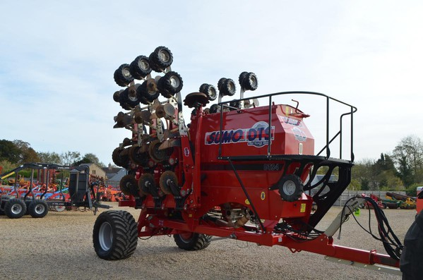 Selling Used Sumo DTS 4M Seed Drill