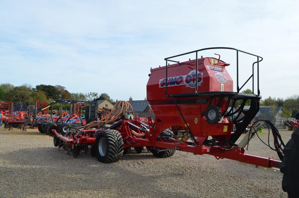 Sumo DTS 4M Seed Drill