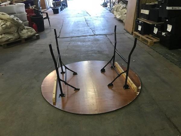 Folding steel legs