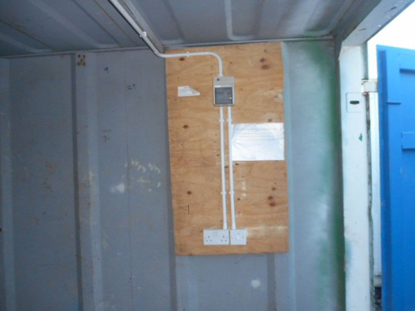Anti vandal container