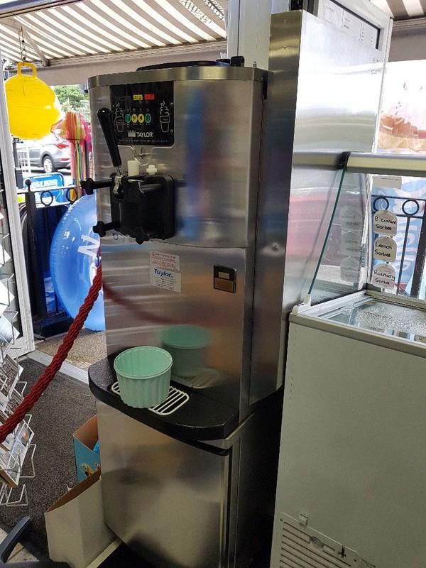 Soft serve ice cream machine for sale