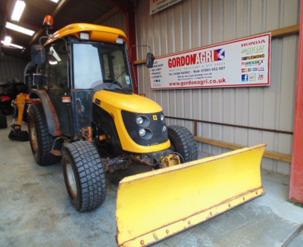 JCB 354 4WD Compact Tractor and Hydraulic Snow Plough