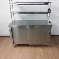 Heated gantry hot cupboard