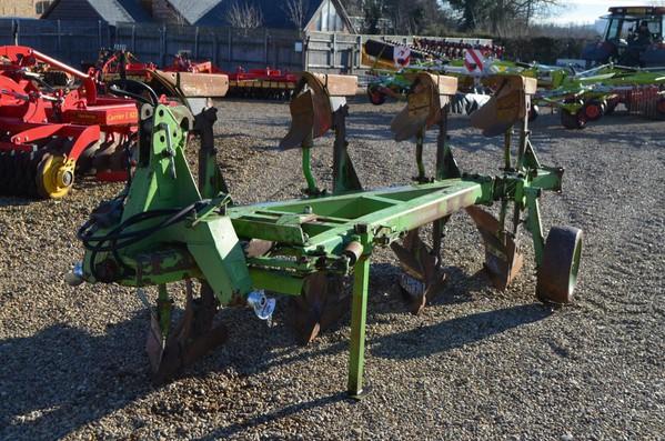Dowdeswell DP8B 4 Furrow Plough