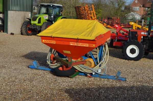 ACCORD DA SEEDER FOR SALE
