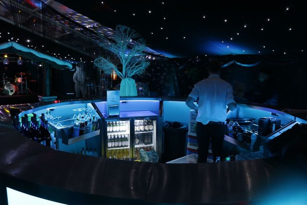 4m Round LED Illuminated Stainless Steel Mobile Event Bar