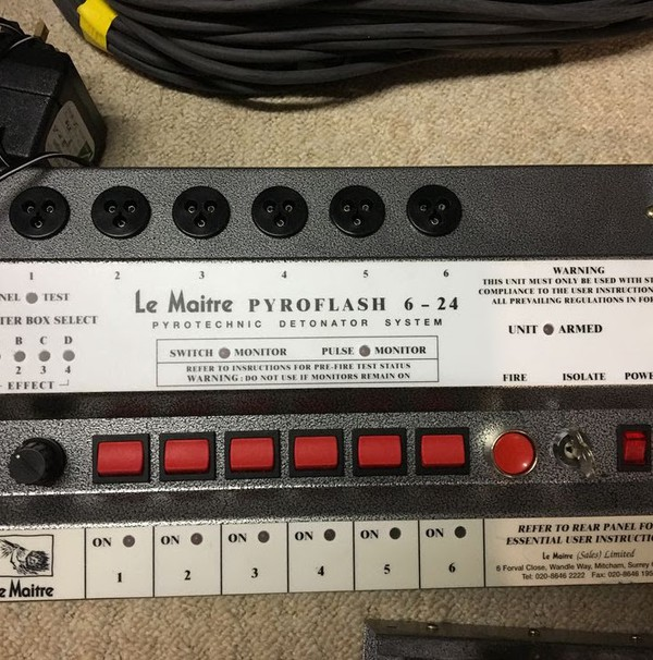 Le Maitre pyroflash 6/24 controller