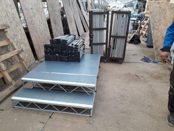 Light weight stage units