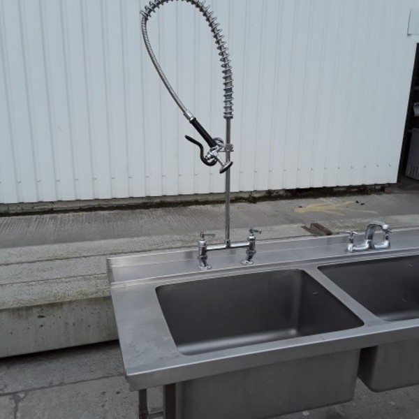 Spray attachment double sink