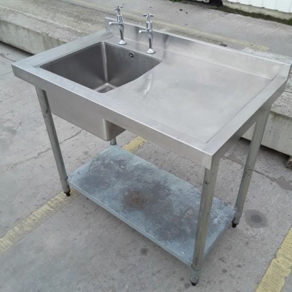 Deep catering single sink