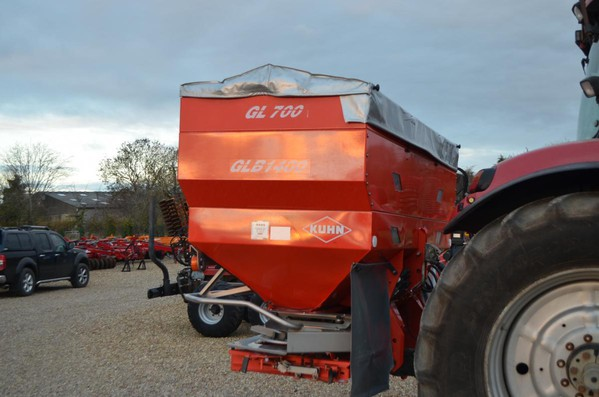 High spec fertiliser spinner