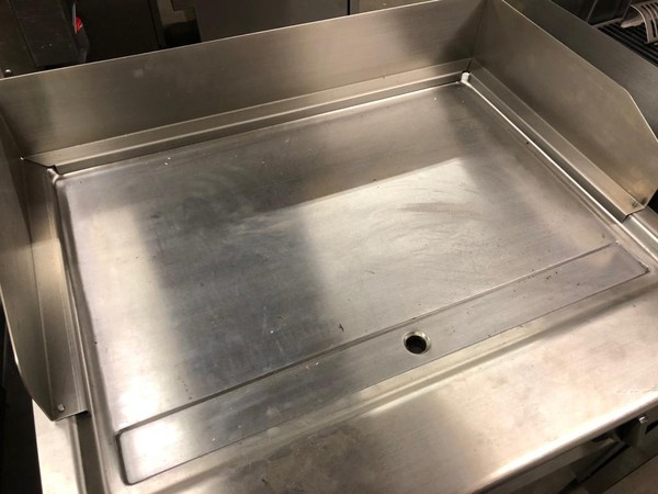 Used RexMartin - Electric Fry top with Cabinet