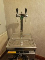 Self contained beer taps