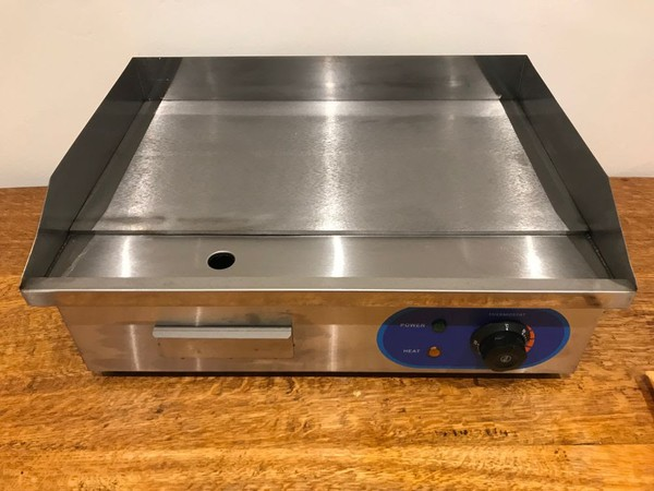 55cm Commercial Electric Griddle - 3kw - 3 Pin Plug - Ex-Display - NEW