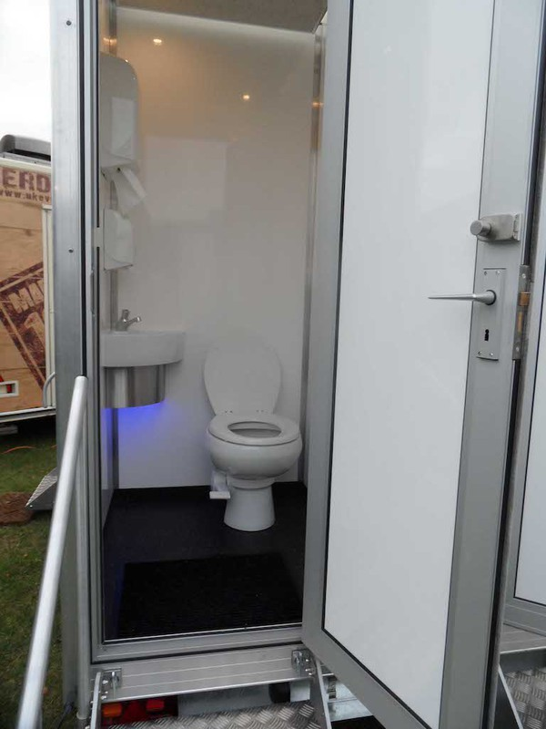 10'x6' 2+1 Mobile Toilet Unit  For Sale