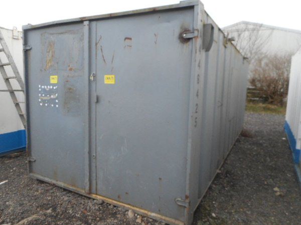 21' x 9' anti vandal store shipping container