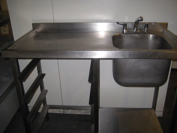 1.2M Stainless Steel Sink With Taps
