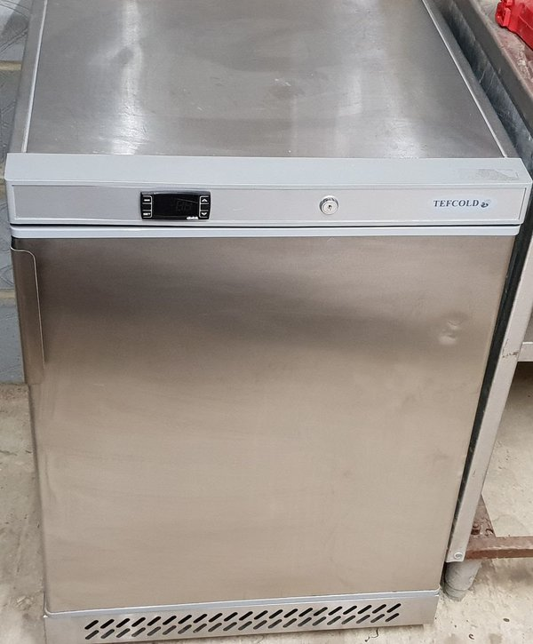 Under counter commercial freezer