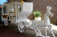 Romantic Cinderella Horse and Carriage Candy Cart