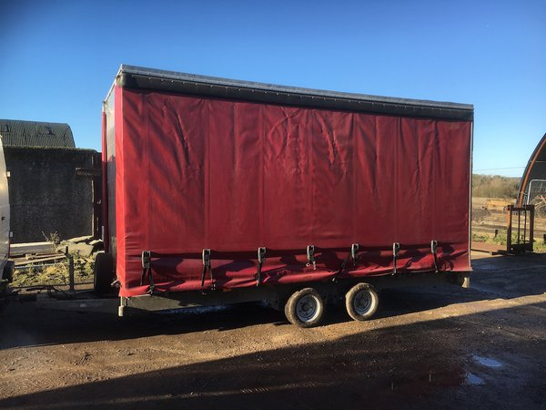 16 Ft Ifor Williams Curtain Side Trailer