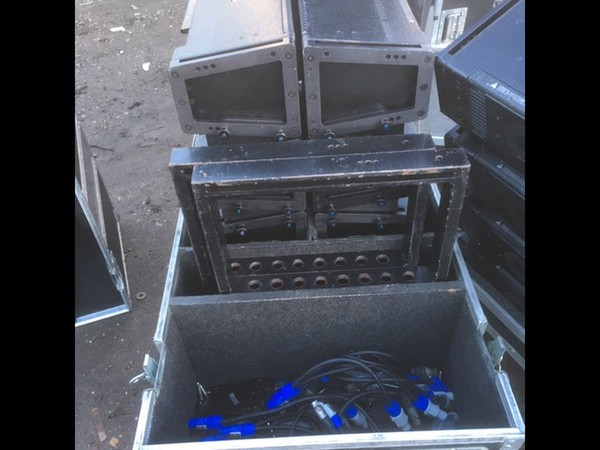 Meyer M1D Line array system with LD-3 Line Driver  For Sale