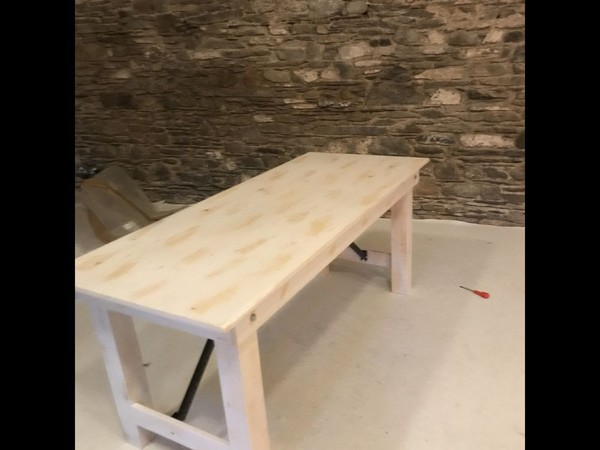 limewash bench seating
