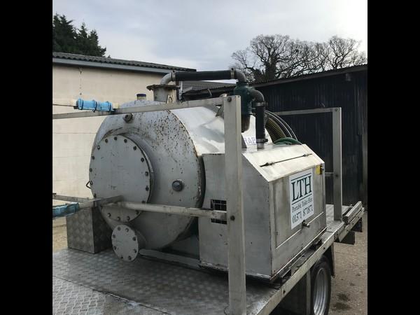 RAPIDE 180 gallon waste &  100 gallon water vacuum tanker