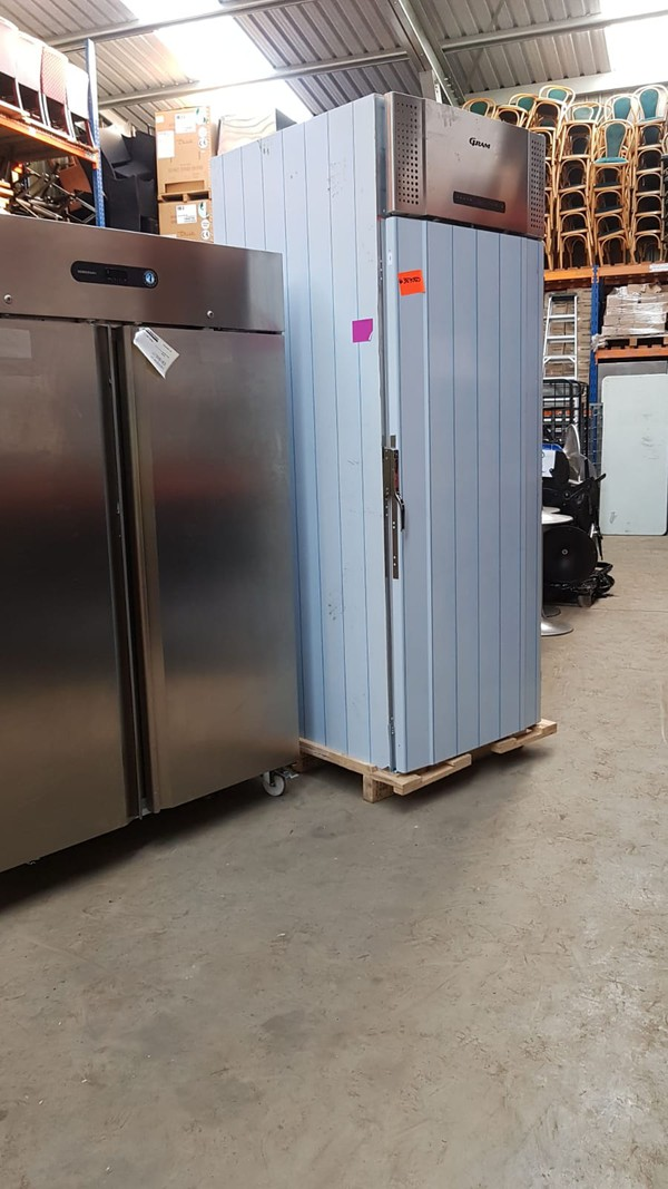 Hoshizaki 1422 Ltrs Upright Fridge Cabinet - London 13