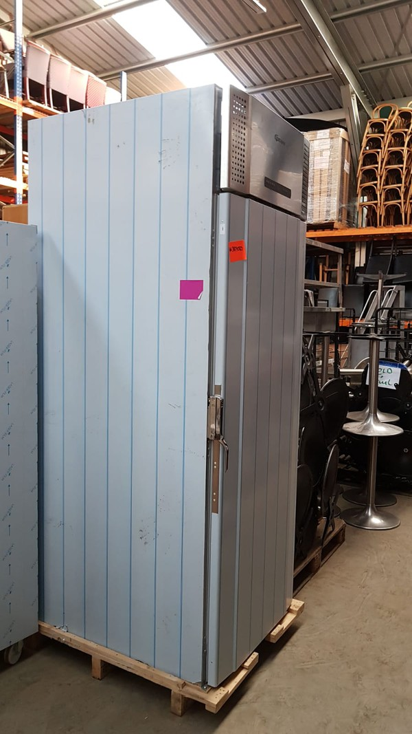 Hoshizaki 1422 Ltrs Upright Fridge Cabinet - London 10