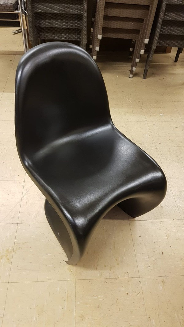 Used polypropylene 'S' Chairs