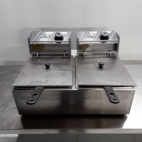Used EF82 Double Table Top Fryer 6L (7900)