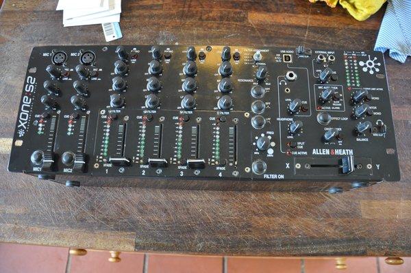 Allen & Heath Xone S2 (4U DJ Mixer)