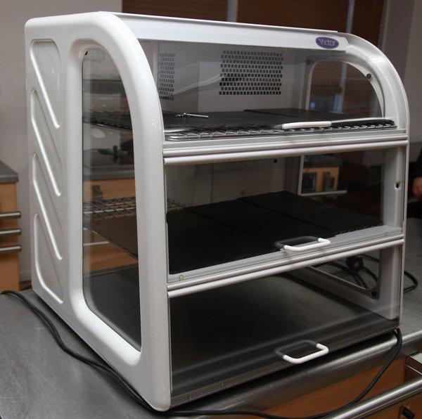 Victor Serento Refrigerated display